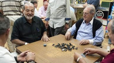 Carlos Slim repite partida de dominó en Ourense