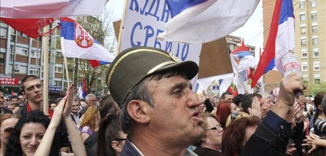 Bruselas propone iniciar las negociaciones de adhesi�n con Serbia tras su pacto con Pristina