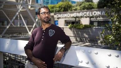 El californiano Faraz Jaka, junto al Casino de Barcelona, donde ha participadoen el European Poker Tour.
