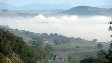 La boira dificulta la circulació a Lleida i deixa la visibilitat a menys de 75 metres