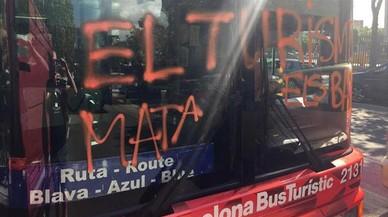 """Trias advierte a Colau de que """"silenciar"""" el ataque al bus turístico es """"justificarlo"""""""