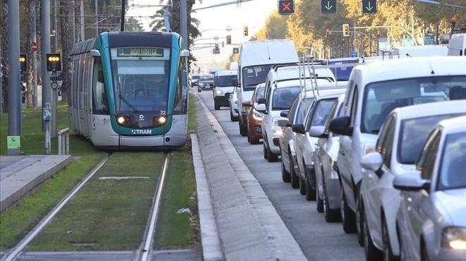 No es el tranvía, es el coche