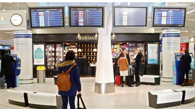 Una huelga de cinco días de los controladores franceses afectará al aeropuerto de Barcelona-El Prat
