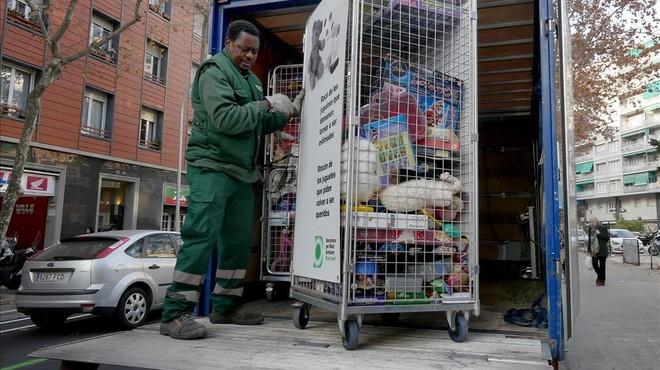 Barcelona anima a los vecinos a reciclar los juguetes usados