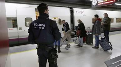 Los Mossos detienen a un hombre que amenazó con hacer volar el AVE Barcelona-Girona