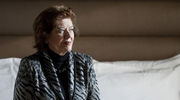 La novelista Anne Perry charla con EL PERIÓDICO sobre su último libro.