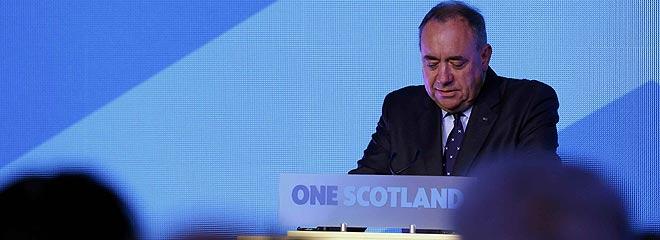 Salmond, en la rueda de prensa tras conocer el resultado del refer�ndum.