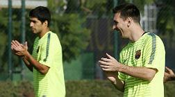 Messi y Su�rez, durante un entreno, este lunes.