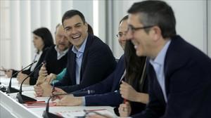 El socialista Patxi López hoy, en el Congreso, en una reunión presidida por Pedro Sánchez.
