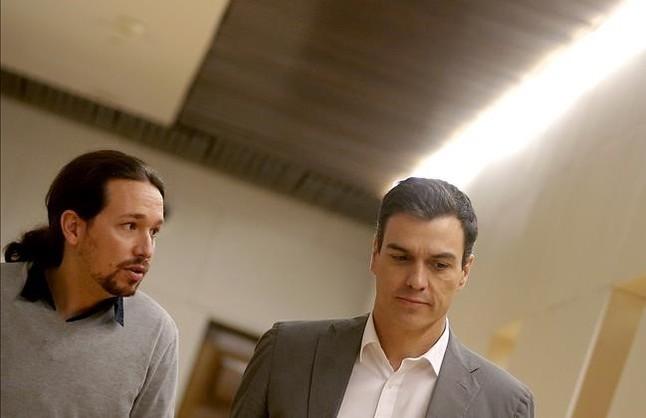 Pedro Sanchez PSOE y Pablo Iglesias Podemos en la reunion que han mantenido para conseguir un acuerdo