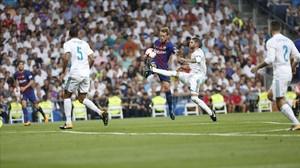 Una imagen del partido del Bernabeu entre el Madrid y el Barça de la Supercopa.