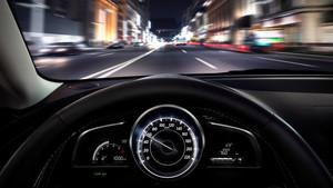 ¿Por qué tu velocímetro marca una velocidad superior a la real?