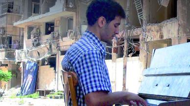 Sant Boi acull un concert del 'pianista del camp de refugiats de Yarmouk'