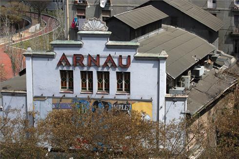 El Arnau perfila su 'rentr�e' con una parte consagrada a la memoria del Paral�lel