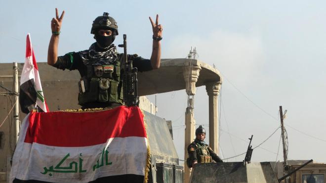 La bandera de l'Iraq torna a onejar a Ramadi