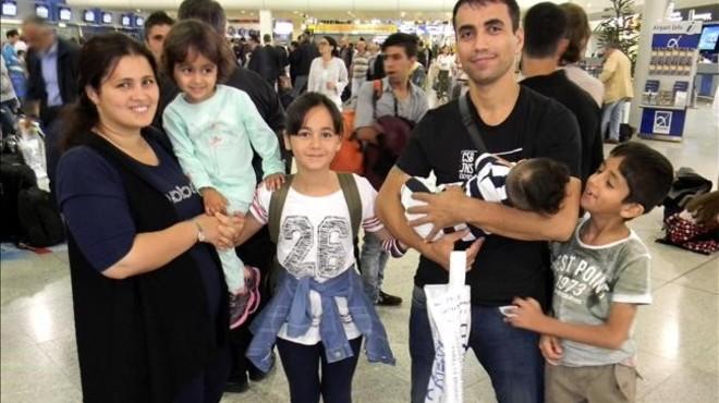 Els primers 20 refugiats del programa de reubicació de la UE viatgen a Espanya