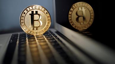 El bitcoin supera la barrera de 5.400 dòlars per primera vegada