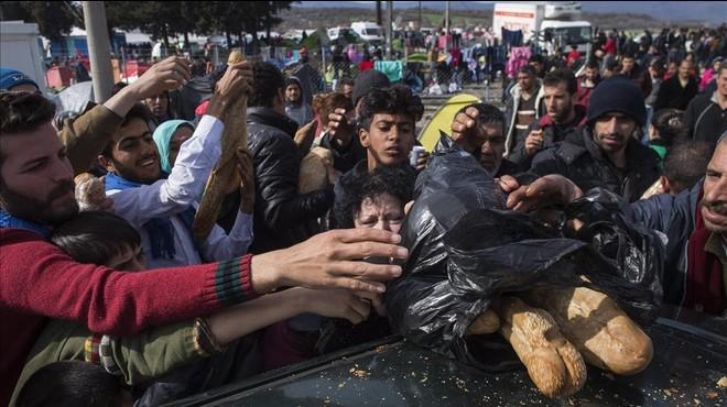 La crisi dels refugiats col·loca Grècia al límit del col·lapse
