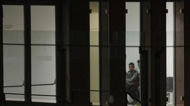 La jueza prohíbe que menores desamparados duerman en la Ciutat de la Justícia