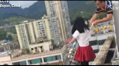 Un profesor, héroe en China tras impedir el suicidio de una alumna