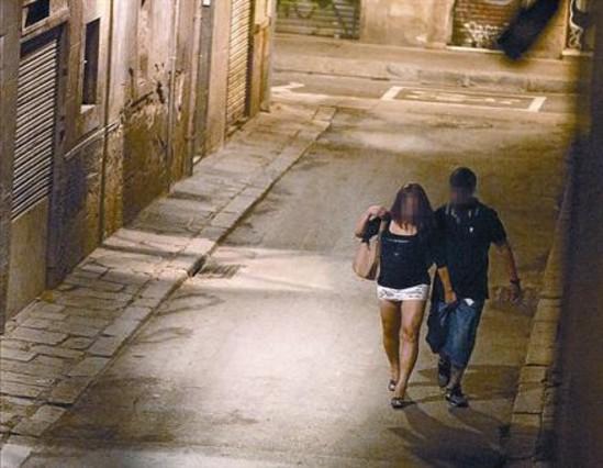 Noche prostituta callejera sexo