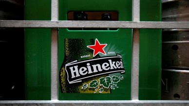 Hungría debate la prohibición de la estrella roja de Heineken