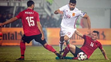 'La Roja' compleix i guanya Albània