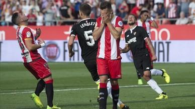 El Girona perd amb el Sevilla després de fallar un penal a l'últim minut (0-1)