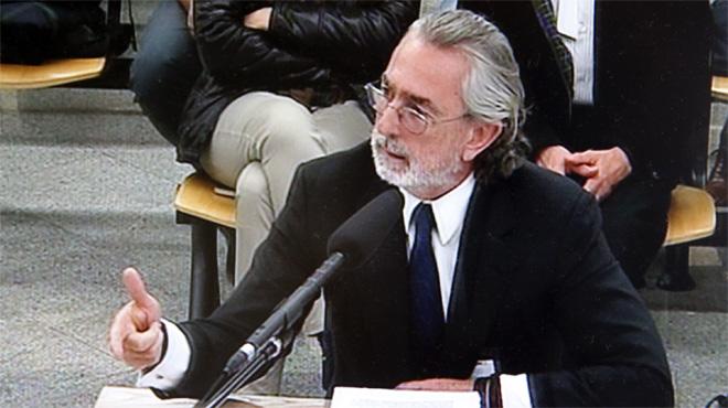 Correa reconeix que alguns empresaris pagaven comissions per aconseguir contractes públics que revertien en el PP
