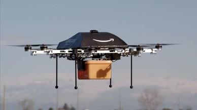 Amazon patenta magatzems aeris per entregar les compres amb drons