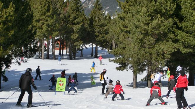 El Pirineu celebra el Dia Mundial de la Neu a mig gas