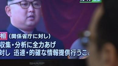 Un hombre mira un informativo en televisi�n sobre el lanzamiento de misiles de Pionyang, este mi�rcoles, en Tokio (Jap�n).