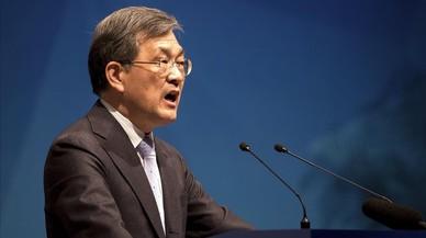 El vicepresidente y consejero delegado de Samsung Electronics,Kwon Oh-hyun, durante la junta.