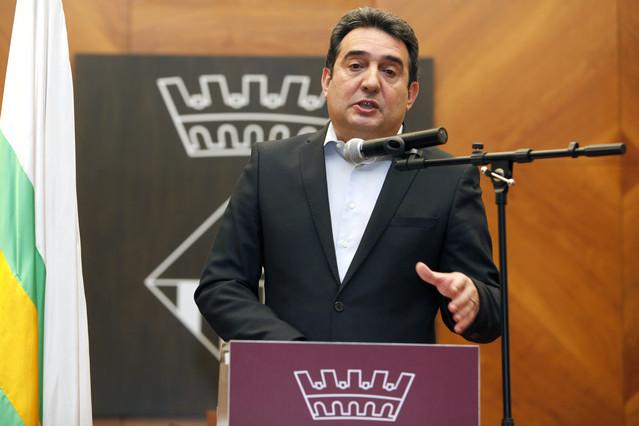 Manuel Bustos es ya exalcalde de Sabadell