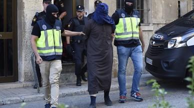 """Els gihadistes de Mallorca planejaven """"una matança"""" amb ganivet a la plaça de l'Ajuntament d'Inca"""