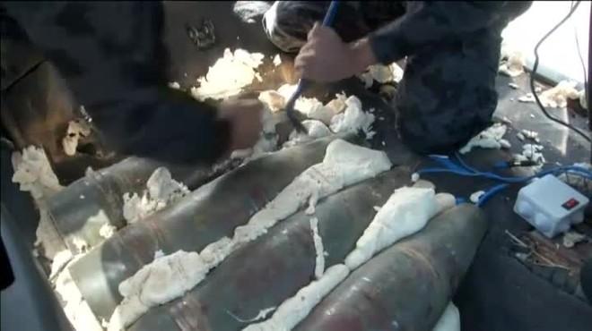Los artificieros libios han desmantelado los explosivos en uno de los puntos de control que blindan la capital de Libia.