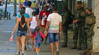 Ensurt a Copacabana per una motxilla sospitosa