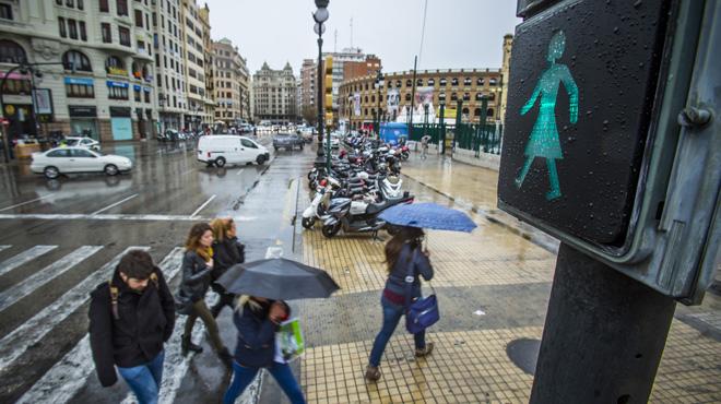 València instal·la semàfors amb forma de dona