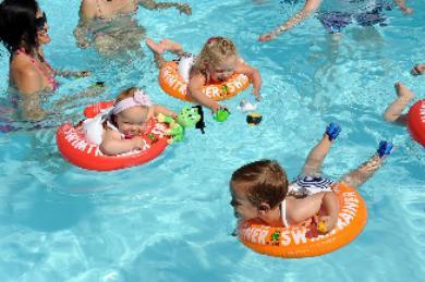 Los mejores flotadores y manguitos de seguridad para bebés y niños pequeños