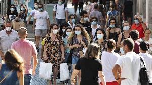 El ritmo de contagios semanal cae por primera vez desde julio