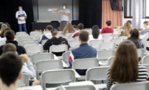 Los institutos esquivan la semipresencialidad con la reconversión de espacios y reformas