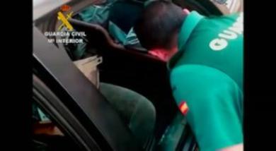 Seres humanos empotrados en coches