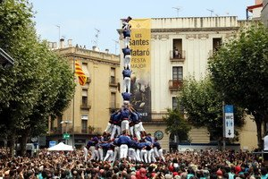 La torre de nou amb folre i manilles de los Capgrossos de Mataró en La Diada de Les Santes de 2017, este pasado domingo.