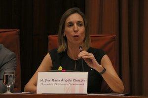 La consellera Mari Àngels Chacón, ante la comisión del Parlament.