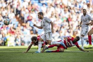 El madridista Hazard define en el segundo gol ante el Granada.