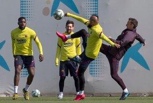 Los jugadores del Barça en un entrenamiento antes de la pandemia.