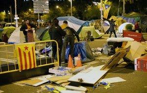Imagen de la acampada en plaza Universitat