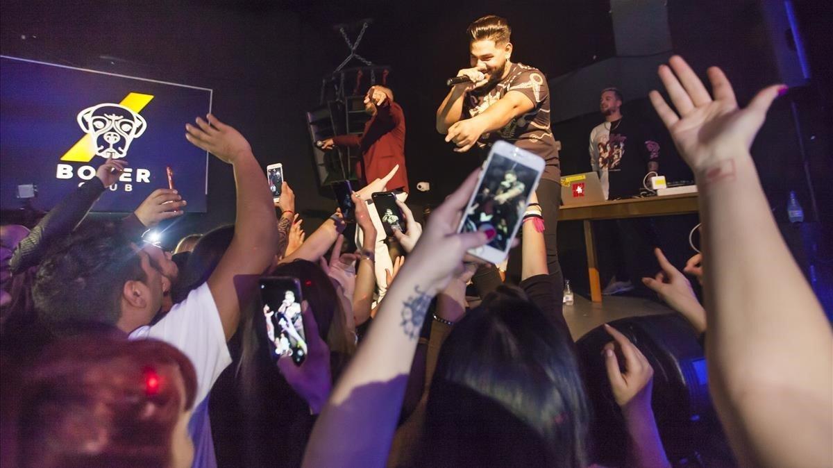 Actuación de Daviles de Novelda en la discoteca Boxer de Cerdanyola del Vallès