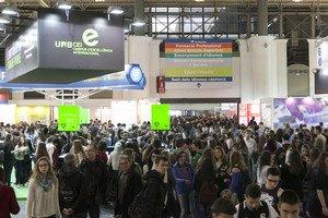 Aglomeración de estudiantes en la última edición del Saló de lEnsenyament.