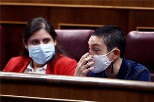 Aina Vidal durante el debate de la moción de censura presentada por Vox